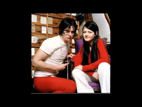 I'm Finding It Harder To Be A Gentleman - The White Stripes (lyrics)