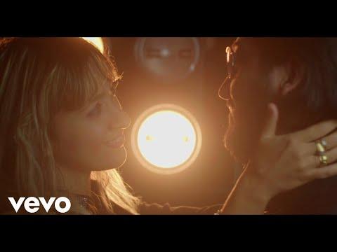 Смотреть клип Stephen Oaks Ft. Nicky Jam, Emy Perez - Es Amor