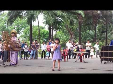 Cô gái vót chông -bé Khánh Hằng 6 tuổi