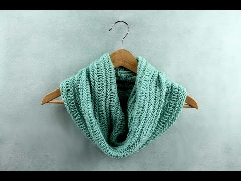 How to knit a basic cowl ( easy knitting pattern) - YouTube