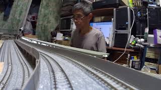鉄道模型(Nゲージ)製作中のレイアウトで4編成同時走行