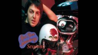 Paul McCartney & Wings - Get On The Right Thing