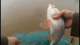 Рыбалка сетями ранней весной, вода прибывает