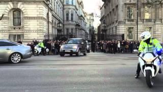 POLICE SEG Motorcade Eskorte London Downingstreet GB Met