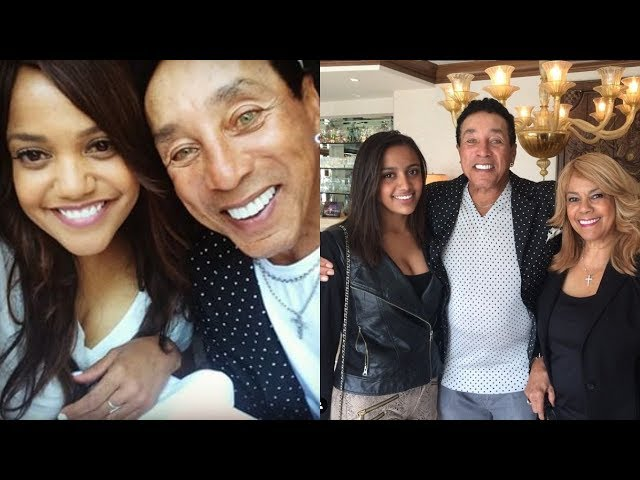Smokey Robinson\'s Only Daughter \'Tamla\' Is in Her 50s & Looks Beautiful in Her Age