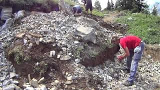 Freeridetrail digging in the dirt