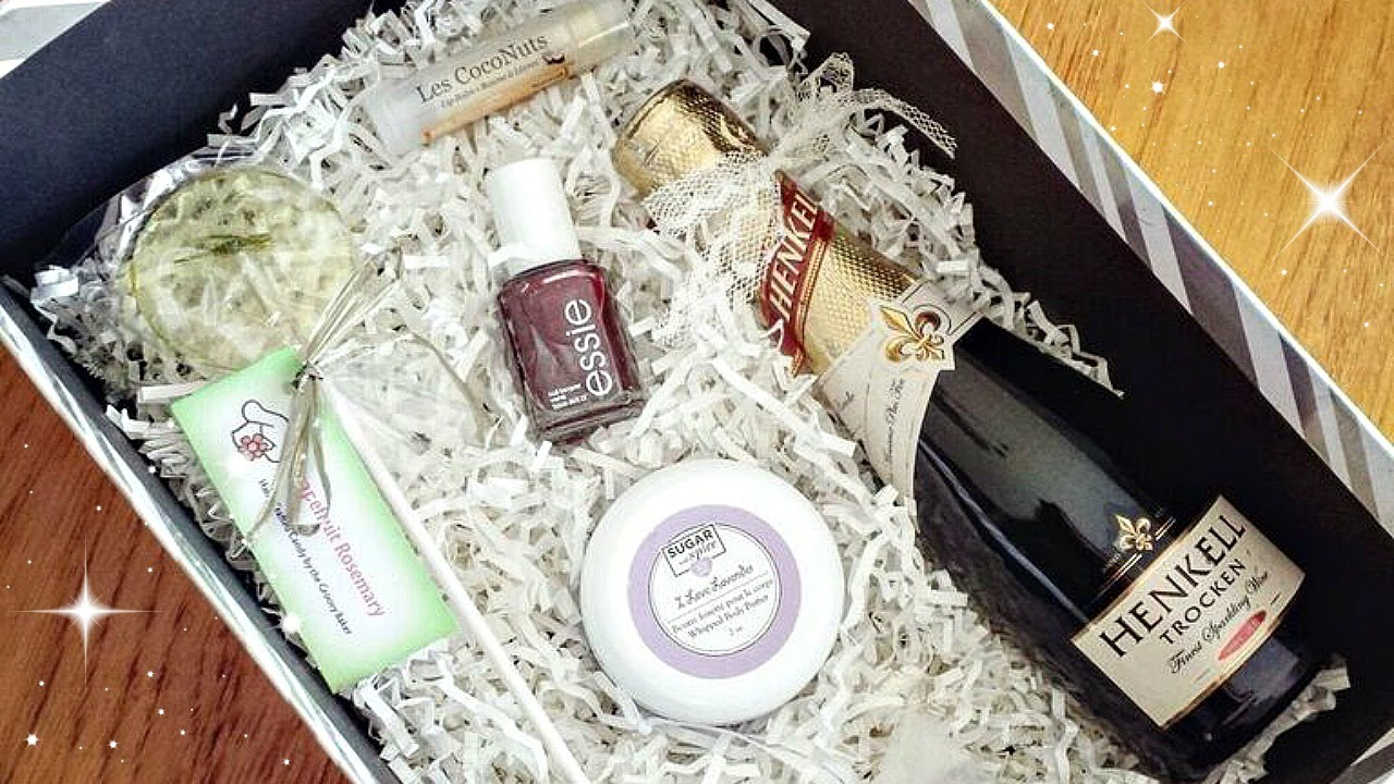 will you be my bridesmaid boxes supporting small businesses youtube. Black Bedroom Furniture Sets. Home Design Ideas