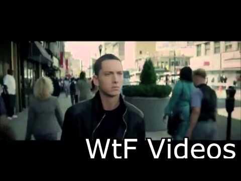 Eminem Ft. Wiz Khalifa-Yüzüğü Takmış Evleniyor