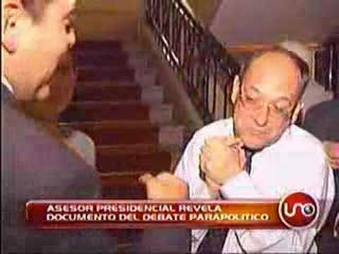 Ver Video de Jose Gaviria José Obdulio Gaviria da falsa lista para dañar debate Petro