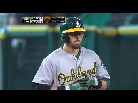 OAK@HOU: Sogard pulls A's within one with RBI double