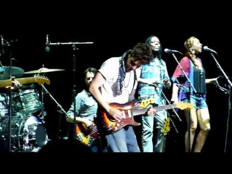 'Paper Doll' + 'In Your Eyes' : John Mayer Live In St. Louis, July 7, 2013