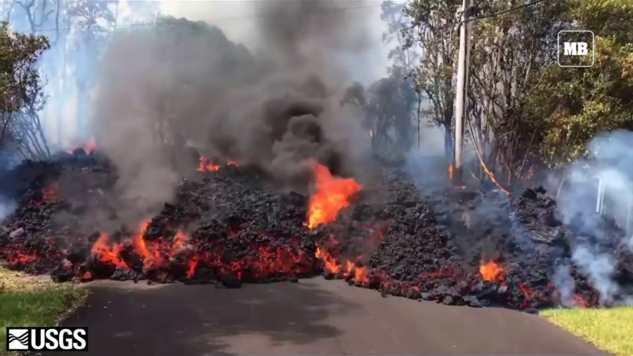 Hawaii volcano seeps lava, threatening homes