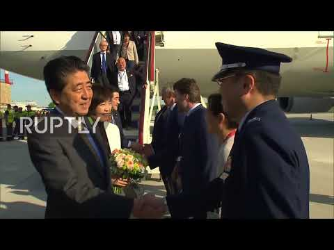 Russia: Abe arrives in St. Petersburg to participate in SPIEF