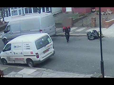 CCTV catches a courier pretends to deliver new iPhone 6 but steals it