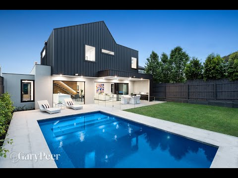 30 Moore Street, Caulfield South - Presented by Phillip Kingston