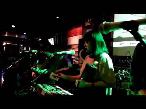 Angsa & serigala -menarilah sendiriku (live famouz cafee) _cirebon