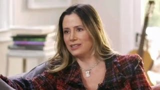 MIRA SORVINO on Aging and Plastic Surgery || THE CONVERSATION WITH AMANDA DE CADENET