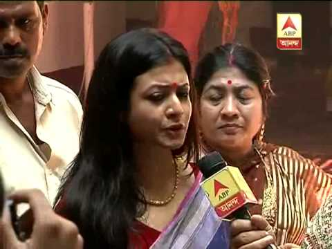 Bengali film stars Koyel and Ranjit Mallick busy with Saptami puja preparation in their house