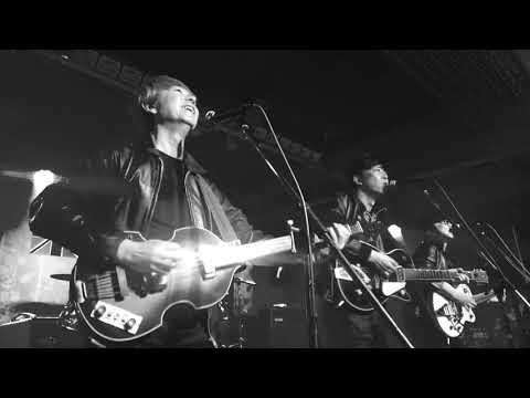 The CatsWalk Live at KNT Liverpool�0526 (B&W)