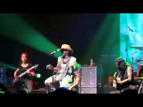 Rif Andai Ku Jadi Raja @rockingland 2011   YouTube
