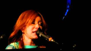 Tori Amos Luxembourg Oct 4th 2011 Way down