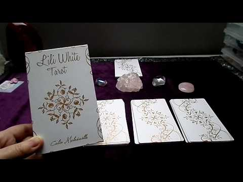 Deck review: The lili White tarot by Célia Melesville (english video)