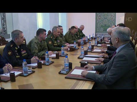 Министр обороны России по поручению Владимира Путина летал в Сирию.