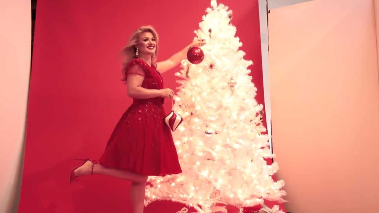 in this weeks parade kelly clarkson youtube