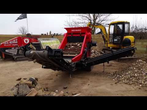 OUR NEW RED RHINO SOIL WASTE SCREENER  ON CONSTRUCTION & DEMOLITION WASTE