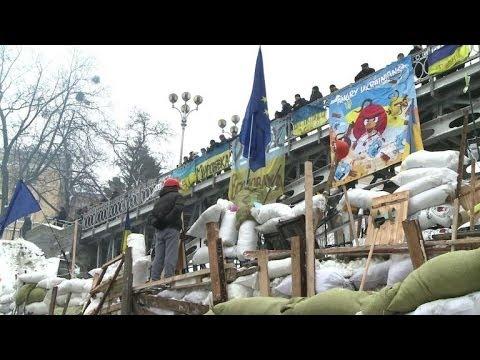 Kiev protesters hold their ground, EU's Ashton hopeful