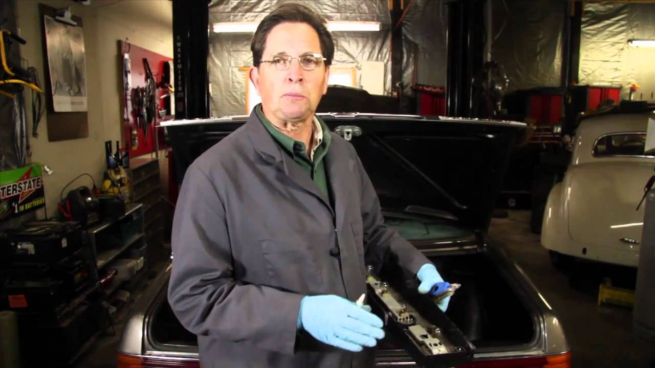 Mercedes Benz Tail And Marker Light Bulb Maintenance Repair By 1998 C280 Engine Diagram Kent Bergsma