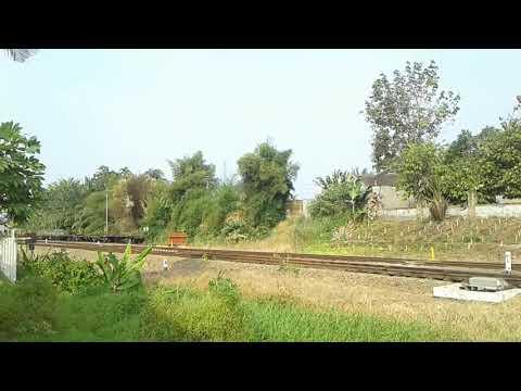 KA Siantar Ekspres U58 Relasi Medan-Siantar Berangkat Stasiun Tebing Tinggi Divre 1