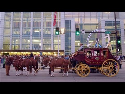 Wells Fargo Stage Coach Rolls Into Omaha for Berkshire Meeting