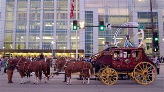 Wells Fargo Stage Coach Rolls Into Omaha for Berkshire Meeting