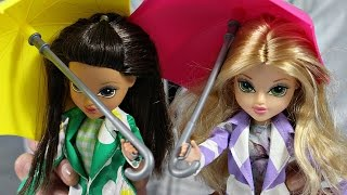 Moxie Girlz -  MGA - Avery, Sophina & Bryten - Raincoat Color Splash / Zabawa w Kolorowanie