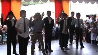 "Wonderland Elementary 5th Grade Graduation surprise flash mob dance ""Time""r"