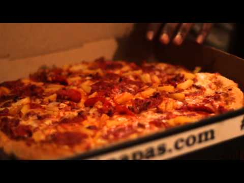 Pizza Chronicles – Episode 1 : Papas Pzza Review (Detroit)