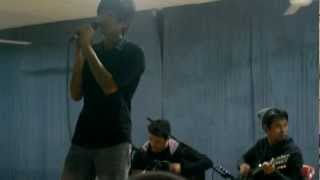 Sum 41 - Pieces (cover by Kunci Kira-Kira) LIVE TALENT SHOW 2012 Uitm Puncak Perdana