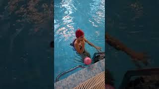 Плавание в бассейне.Аутизм.