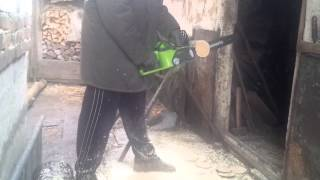 видео Аккумуляторная цепная пила GreenWorks G24CS25K2