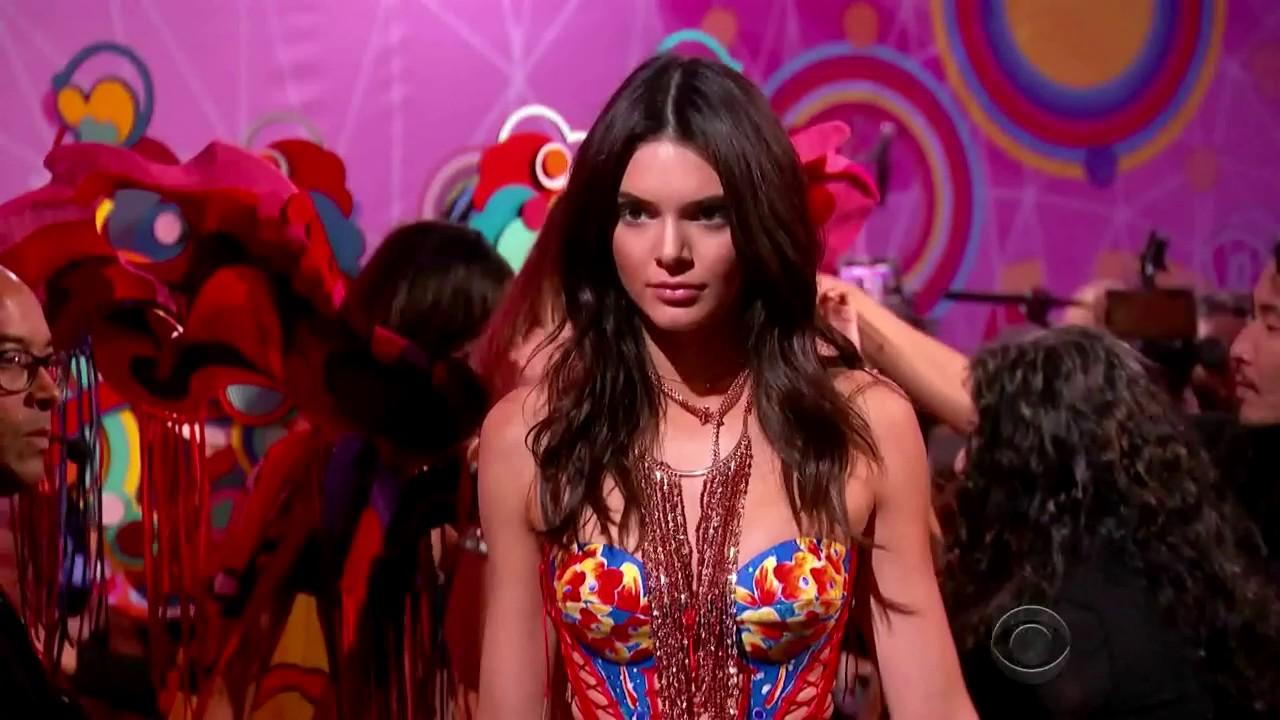 48f920ebf7 Victoria s Secret Fashion Show 2015 Opening and First Segment - YouTube