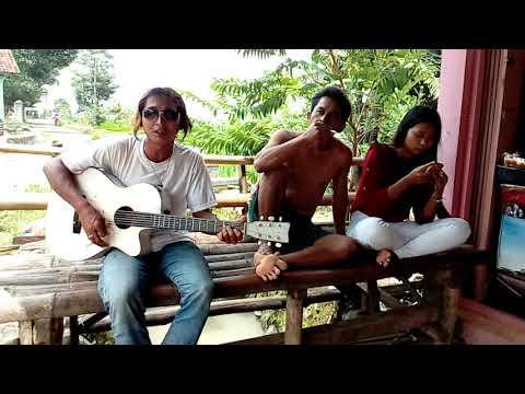Free Download Pengamen Suara Mas / Seribu Kali Sayang/ Cirebon Mp3 dan Mp4