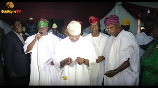 KING SUNNY ADE DANCES AS EBENEZER OBEY PERFORMS AT HIS 70TH BIRTHDAY CELEBRATION IN LAGOS