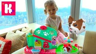 Прикольные собачки с ванной и каруселью катаются с горки и собачка убегает от Кати Chubby Puppies