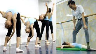 老師你要這樣子使勁嗎,這樣壓腿好痛的。小姐姐們真的好努力,你們都是最棒的,舞蹈課堂的日常#强制拉伸 #flexibility stretching