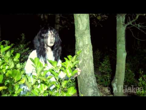 Alton Towers Scarefest   Th13teen Girl & Wraith Interview 2011
