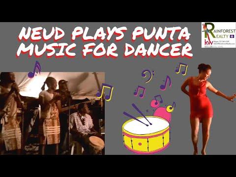 Neud plays Punta music for dancer