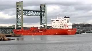 Giant ship hits Portsmouth NH Bridge