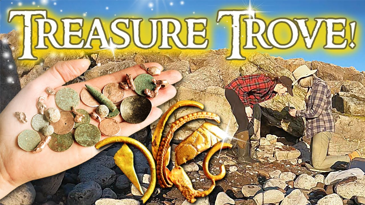 We Find Gold, Coins, Musket Balls and More! Relic Hunting on Storm Beach!