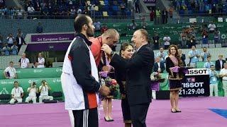 Золотую медаль чемпиону вручил Президент Ильхам Алиев